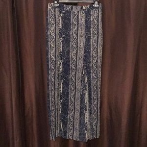 Patterned maxi skirt.